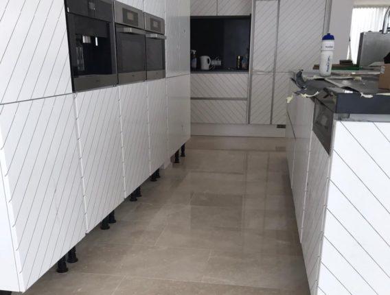 Natuursteen vloer laten reinigen